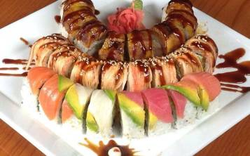 De arriba hacia abajo: Atlantic Roll, Samurai Dragon, Rainbow Roll. (Suministrada)