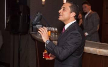 El embajador de Macallan, Joe Cabassa, dirige una cena-maridaje en el restaurante Ruth's Chris, en Hato Rey.