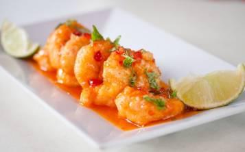 La Cueva del Mar amplía la oferta gastronómica de Hato Rey con mariscos y comida típica. (Archivo de SAL!)