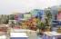 Las coloridas casas forman parte de la cotidianidad que se vive en La Perla. (Pablo Venes)