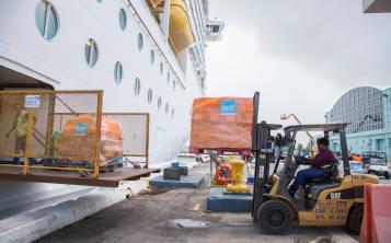 El barco cargó fue cargado con provisiones que serían llevadas a Puerto Rico e Islas Vírgenes Estadounidenses.