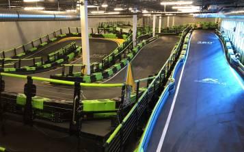 """Su mayor atracción son los """"go karts"""" eléctricos que utilizan una pista de tres niveles, única en el mundo. (Gregorio Mayí / Especial para GFR Media)"""