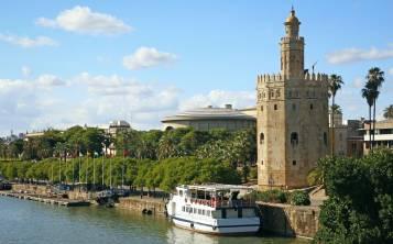 La Torre de Oro al lado del Guadalquivir. (Suministrada)