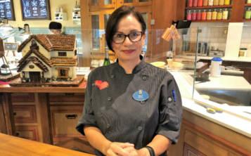 Yoly Colón es actualmente es la chef de Repostería en Amorette's Patisserie, en Disney Springs. (Gregorio Mayí/Especial para GFR Media)