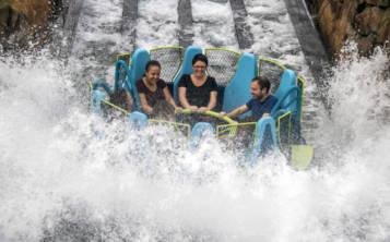 La atracción del popular parque de Florida Central, es una de balsas que van por el río rápido, pero a diferencia de todas las existentes hasta ahora, tiene una subida de 40 pies, desde donde luego bajas rápidamente por el río. (Foto: SeaWorld)