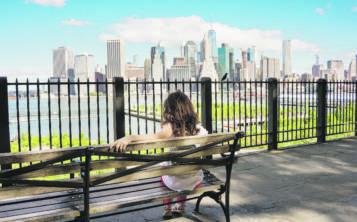 La vista de los rascacielos del área de Lower Manhattan luce espectacular desde el Brooklyn Heights Promenade. (Shutterstock.com)